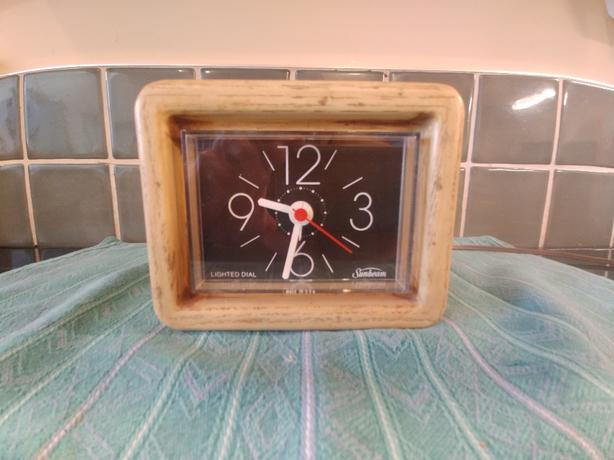 Retro electric clock