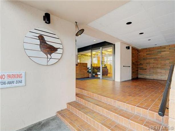 One bedroom apartment- for rent in Sandpiper