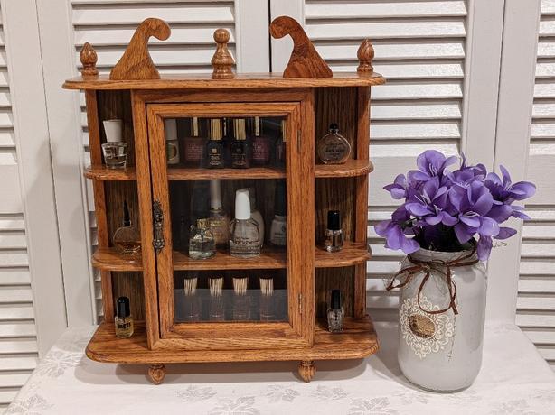Precious Petite Oak Curio Cabinet in Excellent Condition!