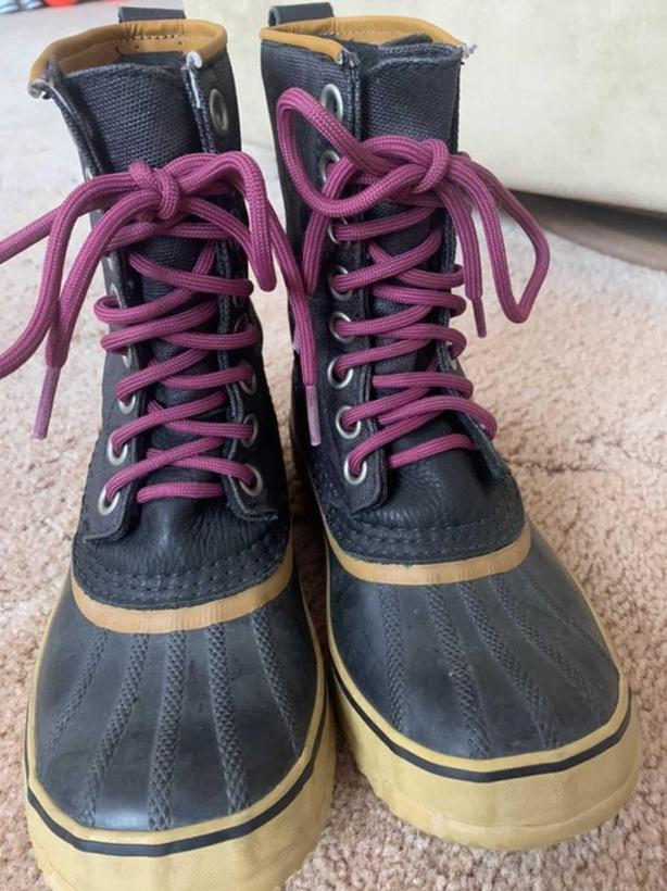 Sorel 1964 premium waterproof winter boots size 5