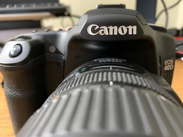 Canon EOS 40D DSLR camera and 17-85 lens