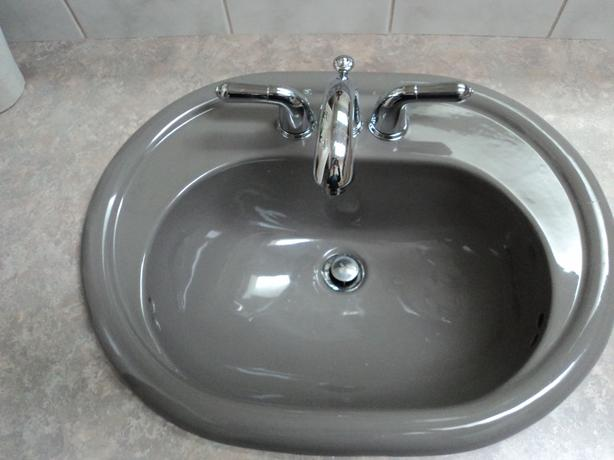 BATHROOM SINK AND TAP ....COUNTER TOP FREE