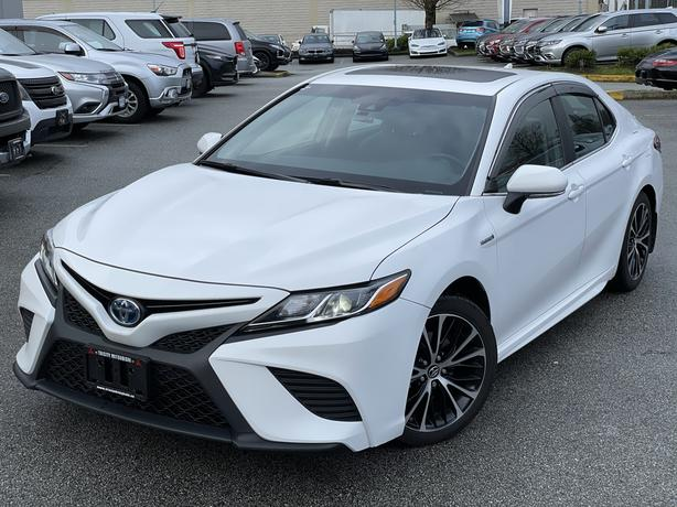 2018 Toyota Camry Hybrid Excellent condition. Hybrid. Local BC. FWD