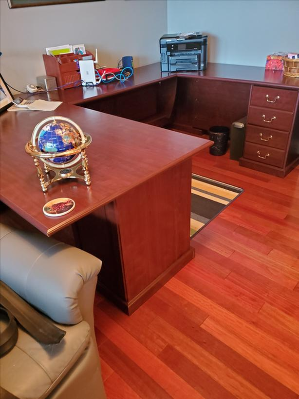 U shaped executive desk