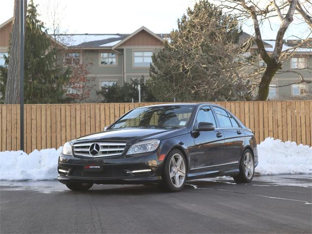 2011 Mercedes C300 3.0L V6, AWD, Automatic - SUNROOF!