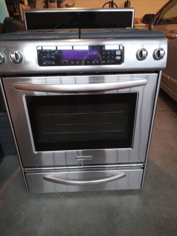 Kitchen Aid gas stove