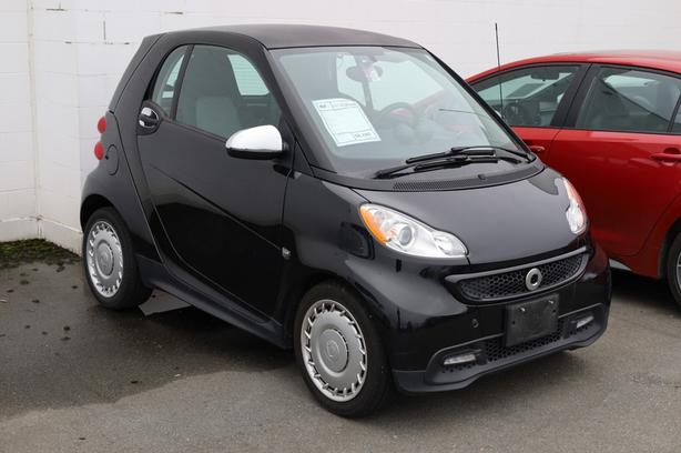 Pre-Owned 2013 smart fortwo Passion Rear Wheel Drive Coupe