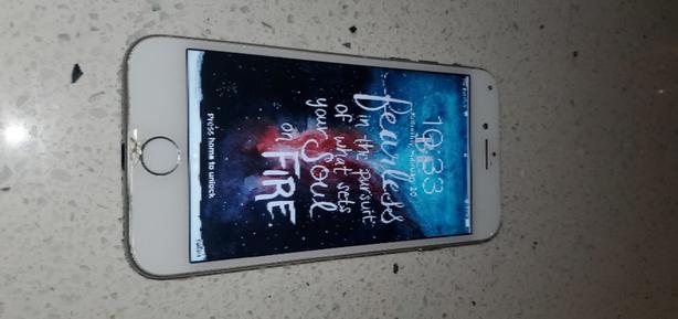 iphone 8, 64 gig, unlocked, white