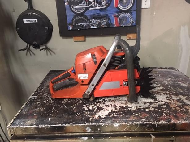 Husqvarna 390xp chainsaw