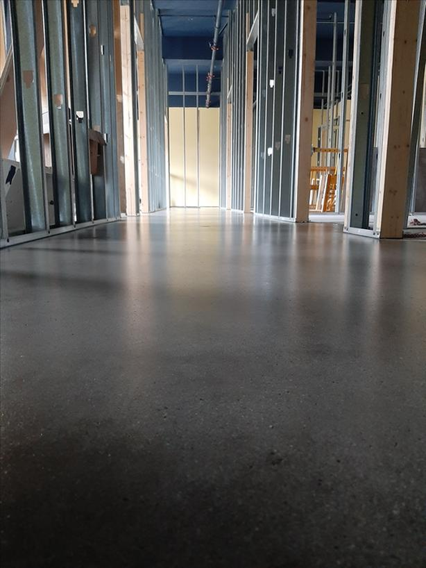Concrete Grinding/Sealing