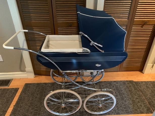 VINTAGE BABY STROLLER CARRIAGE