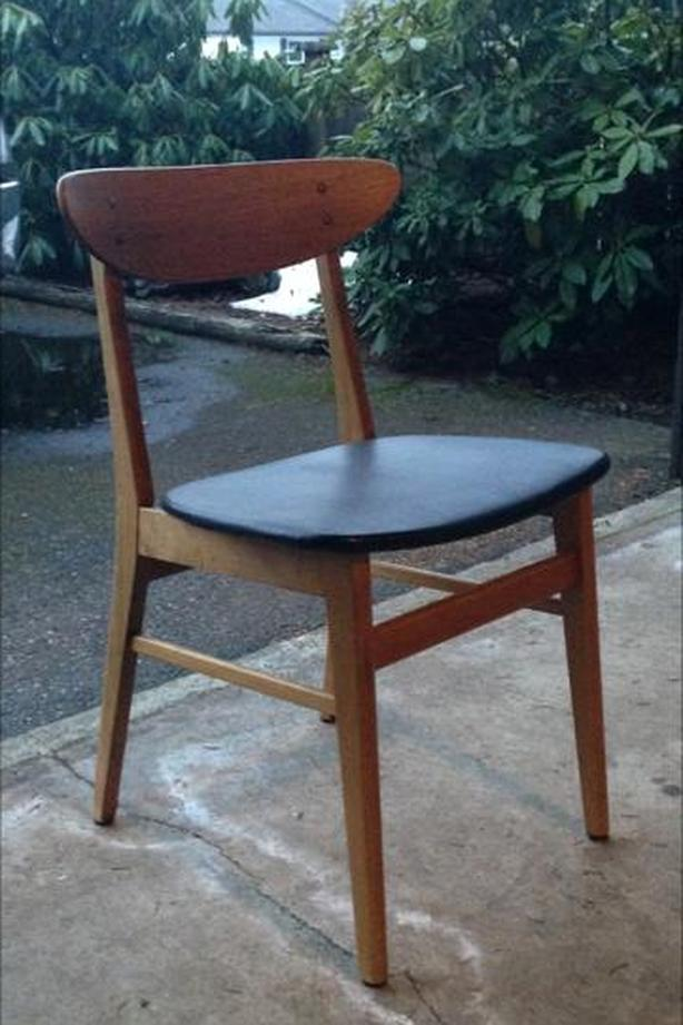 FOUR VINTAGE TEAK DINING ROOM CHAIRS FOR SALE