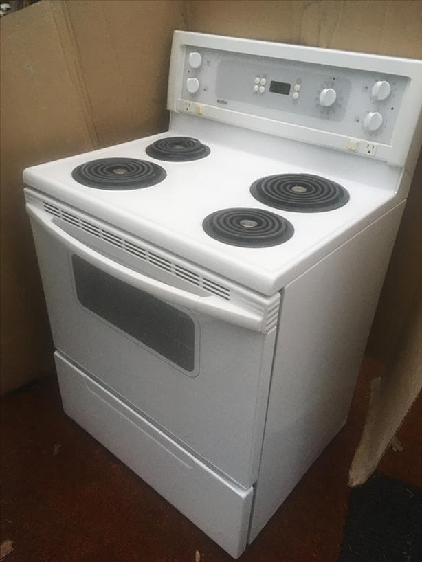Stove -AS NEW - Barely used