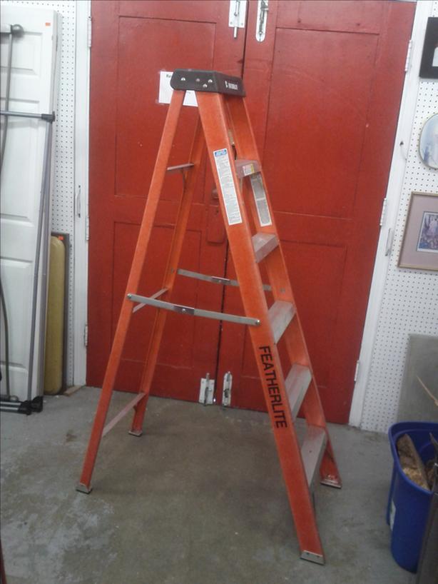 6 Ft FeatherLite Ladder