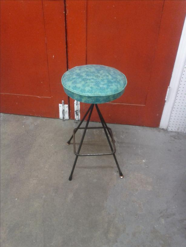Metal Retro Stool