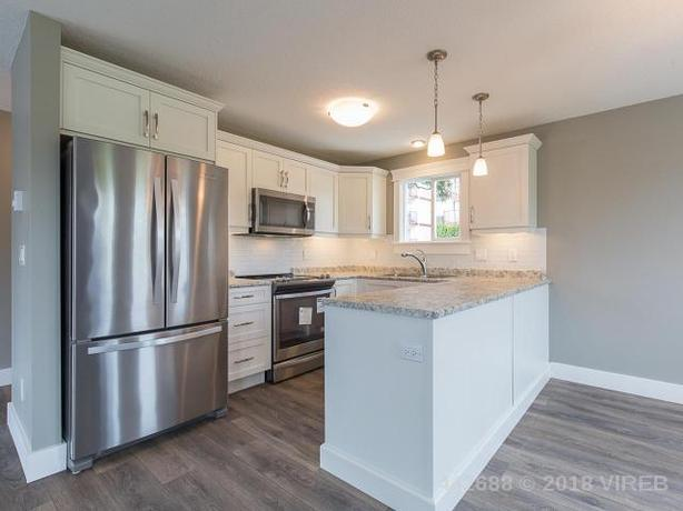 Beautiful 3Bed/2Bath Upper Suite for Rent ~ Available April 1st, 2021