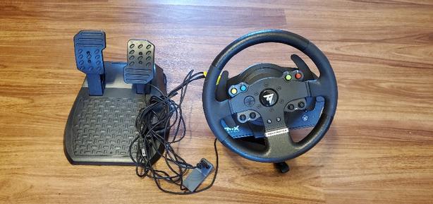 brand new thrustmaster Xbox one steering wheel