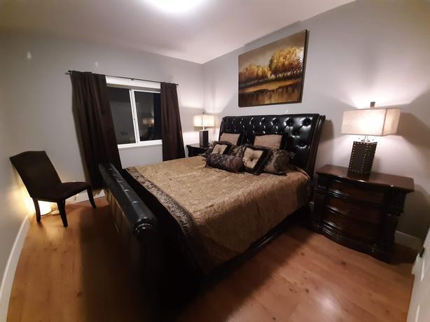 Estate Sale - Beautiful Master Bedroom Suite