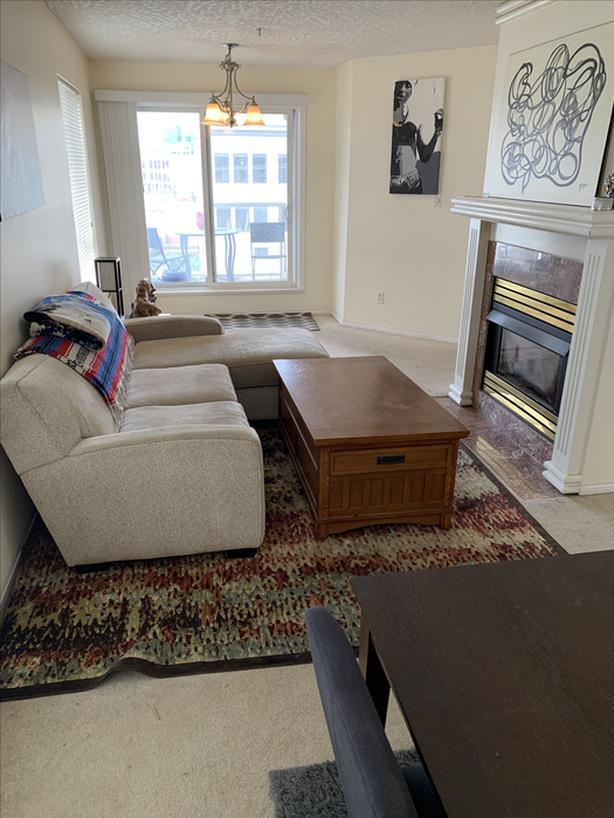 689 Bay Street - Top Floor Condo