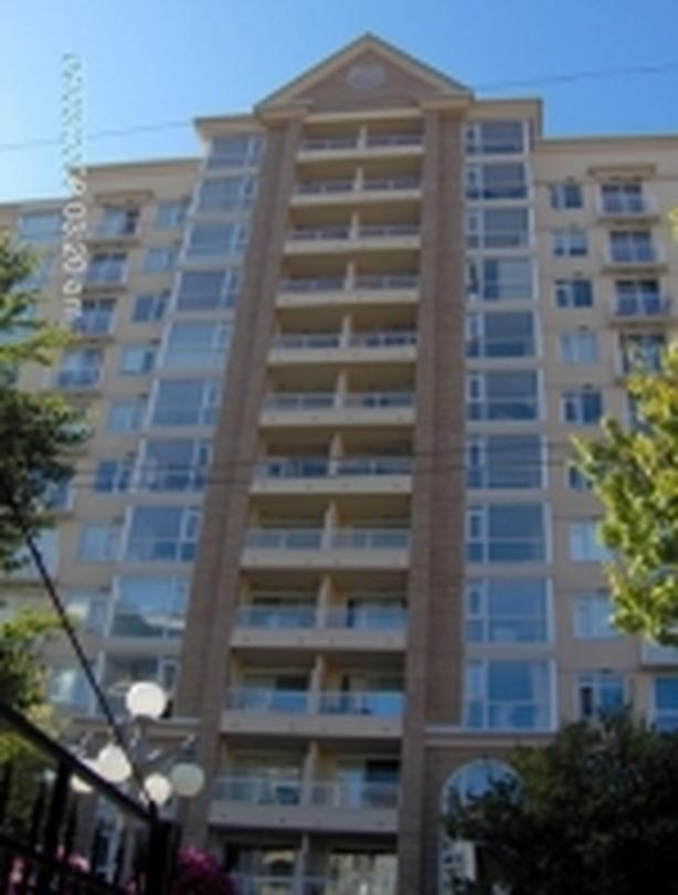 Fifth floor Bachelor for Rent on View St