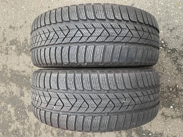 Pair of 225/40/19 Pirelli Sottozero 3 winter RFT with 70% tread