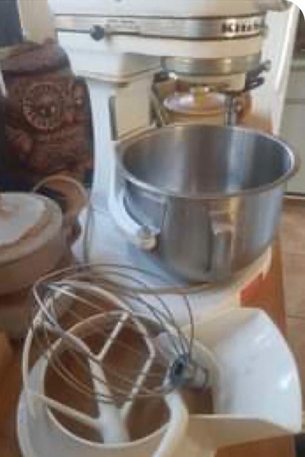kitchen aid with accessories