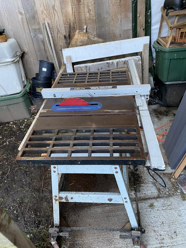 Delta table saw