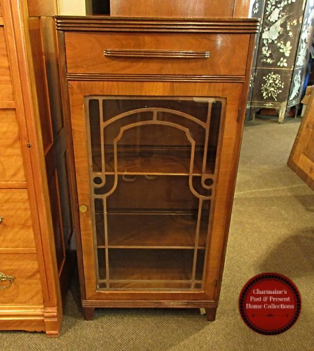 LOVELY SMALL ART DECO DISPLAY CABINET AT CHARMAINE'S