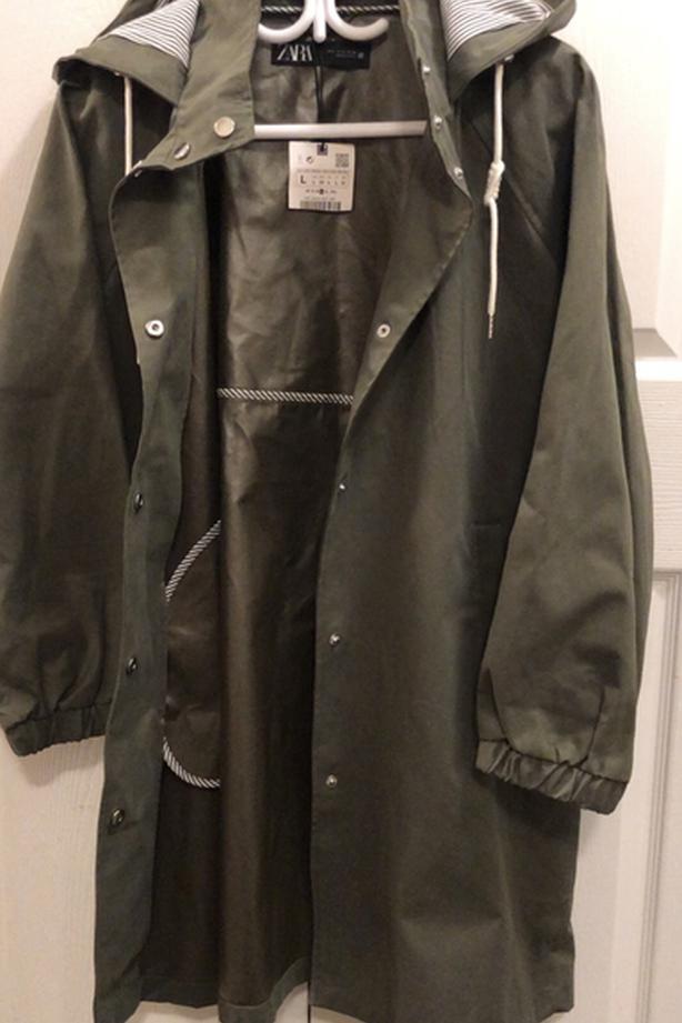 Zara windshield / waterproof new M coat