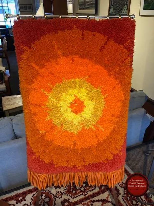 FANTASTIC MID-CENTURY MODERN HOOKED RUG WALL HANGING AT CHARMAINE'S