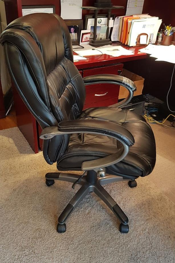 Black Professional Office Chair