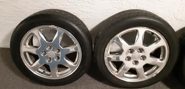 17 inch 2006 Cadillac trims with tires