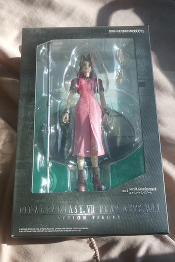 Final Fantasy 7 Aerith Gainsborough Figure