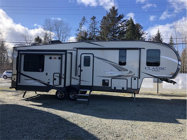 2019 Forest River Flagstaff 8529IKBS Classic