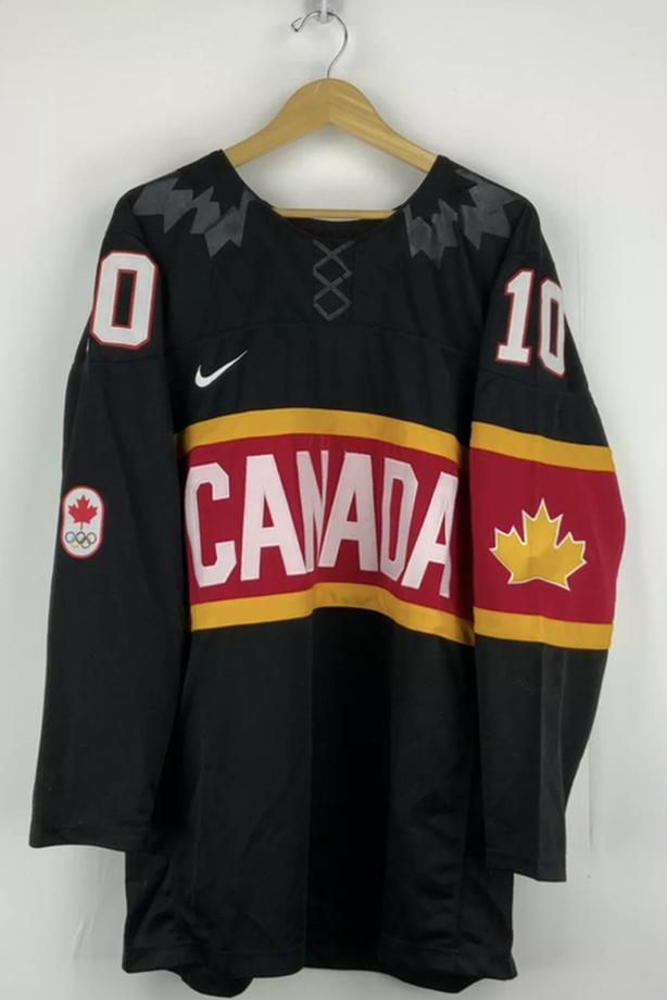 Team Canada Olympic Hockey Team Jersey! Pro! Immaculate