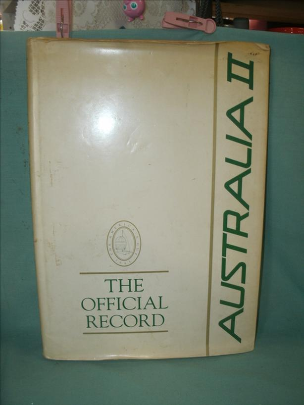 Collectible Book 1983 THE OFFICIAL RECORD - AUSTRALIA II