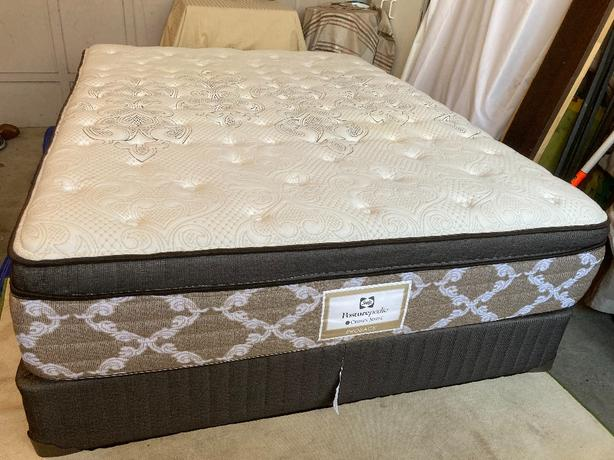 Sealy queen size bed