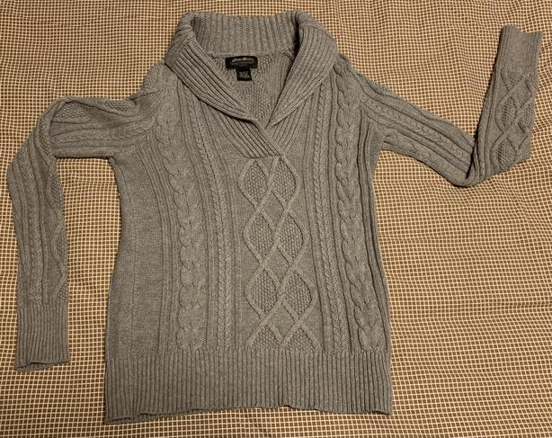 Beautiful Eddie Bauer Ladies Cable Knit Sweater - Size Small