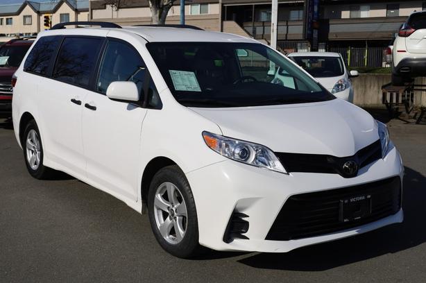 Pre-Owned 2020 Toyota Sienna CE Front Wheel Drive Minivan/Van