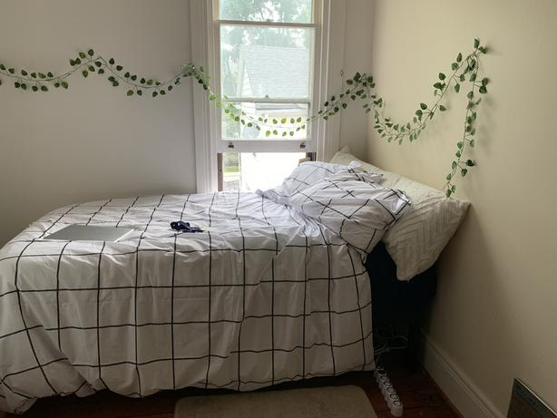 Twin XL mattress and bedsheets