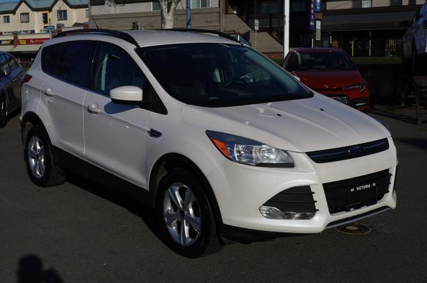 Pre-Owned 2014 Ford Escape SE Four Wheel Drive SUV