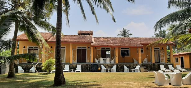 Relax and Unwind in a tranquil and peaceful Beach in Sunny Srilanka