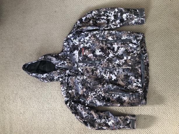 Sitka downpour jacket (Size L)