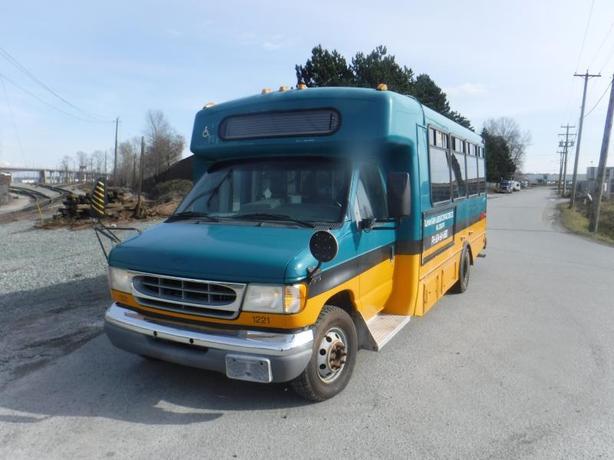 2002 Ford Econoline E-450 19 passenger Bus Diesel