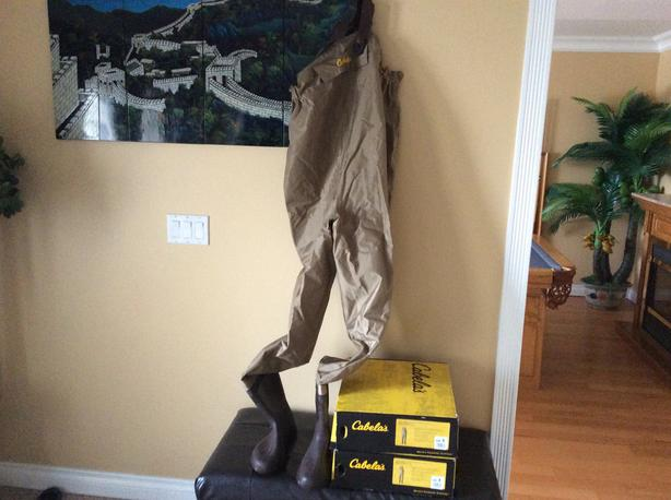 Cabela's insulated chest wader side 11and 12 new still in the box