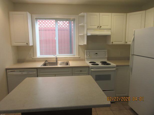 Small Pet Friendly $1700 2 bedrooms North Nanaimo
