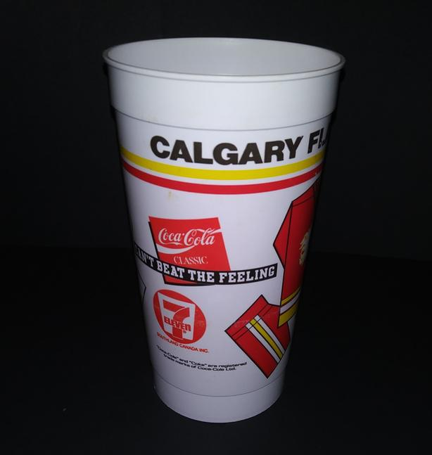 CALGARY FLAMES 1980's SOUVENIR HOCKEY PLASTIC CUP 7/11