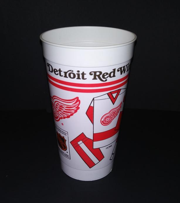 DETROIT RED WINGS 1980's SOUVENIR HOCKEY PLASTIC CUP 7/11