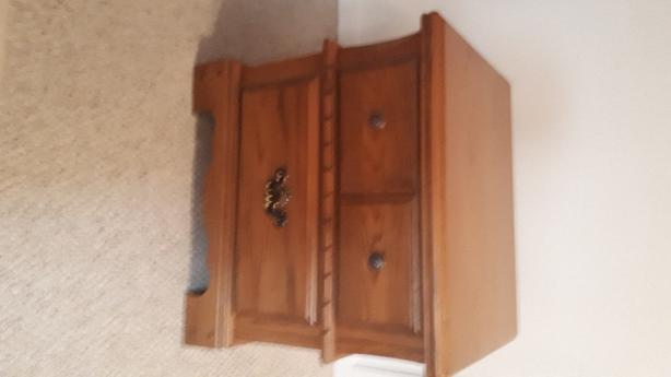 6 piece Oak Bedroom Suite
