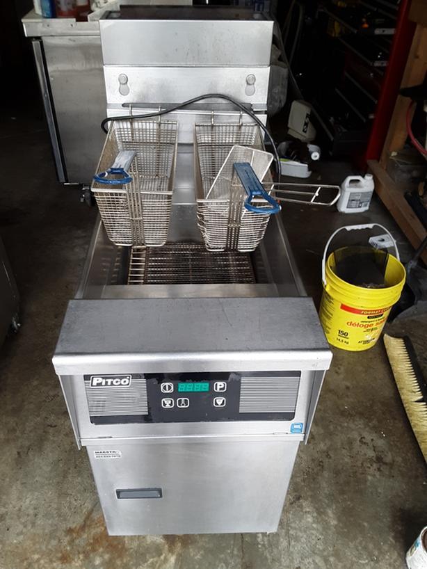 Used Pitco digital deep fryer